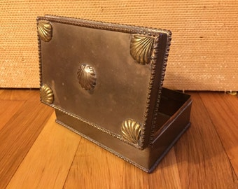Brass gentlemen's box adorned with shells