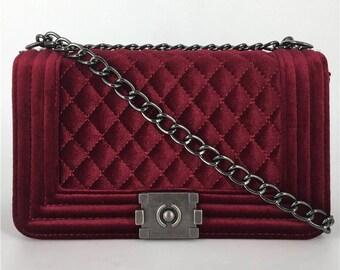 Velvet red shoulder handbag