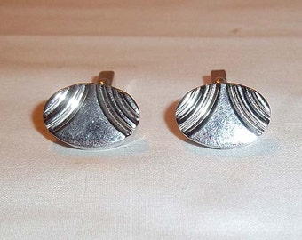 Mens Vintage Pair of SWANK Silver Tone Cuff Links - Classic, Modern Style