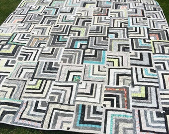 Paper and Ink Labyrinth Queen/King Quilt