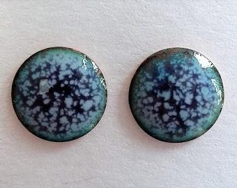 Purple, lilac and blue stud earrings in enamelled copper E54