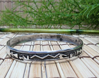 Sterling Silver Bangle Bracelet Native American Hopi Inspired Design Aztec Mexican 925 Simple 3/8 Inch Wide Metal Vintage FREE SHIPPING (789