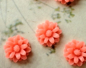 12 mm Pink Color Little Daisy Chrysanthemum Resin Flower Cabochons  (.sm)
