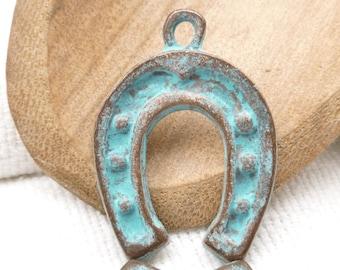 Rustic, Patina Horse Shoe Charm Pendant, Mykonos Casting Beads (1) - M8 - X0728