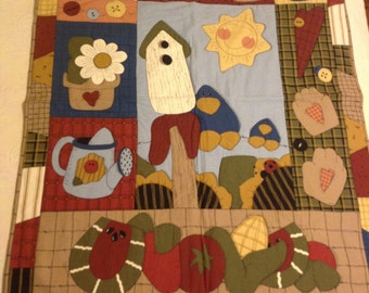 Quilted Birdhouse Wall Hanging