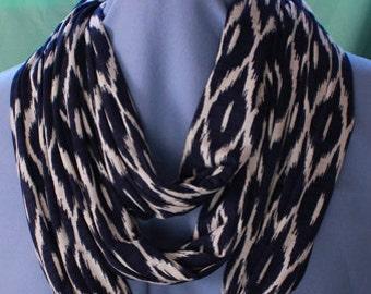 Infinity Scarf, Navy Blue/Cream, Knit