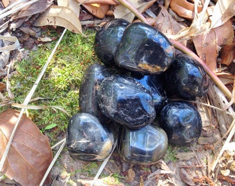 BLACK ONYX - Protection Crystal, Healing, Defense, Witch Barrier. Spell Crystal, Witchcraft Stone, Ritual Stone, Spell Supplies Wicca Magick