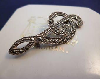 """A superb vintage marcasite and silver musical note brooch - 925 - sterling silver - 1.75"""""""