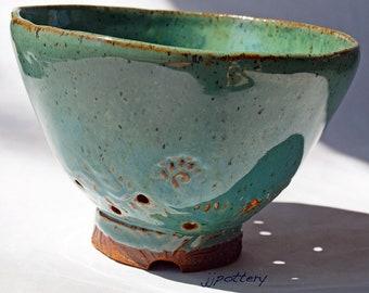 Pottery Colander, Handmade colander, Ceramic strainer, Berry Bowl colander