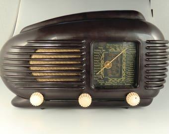 Bohème tchèque Tesla Talisman 308U bakélite Tube Radio