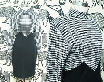 90s Houndstooth Mini Dress // Knit Long Sleeve Black White Checkered Dress // All That Jazz Size 7 8 Small