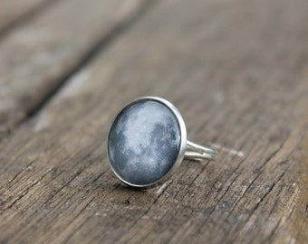Full moon Ring La luna - Glass Dome Full Moon Ring Moon Phases Available