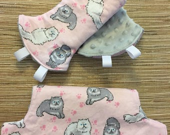 Curved Teething Pads and Bib for Lillebaby Baby Carriers / Lillebaby Bib Set / Lillebaby Cats / Pink / Gray / Gray Minky / Curved Drool Pads