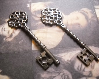Bulk Skeleton Keys Black Keys Gunmetal 68mm Wedding Keys Wholesale Key Pendants 200pcs