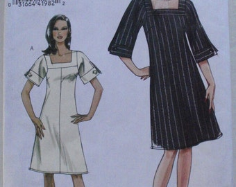 Very Easy Vogue 8442 Sewing Pattern - Misses/Misses Petite A-line Dress - Sizes 6-8-10-12, Bust 30 1/2 - 34, Uncut