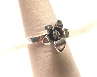 Handcraft 925 sterling silver flower ring size 8