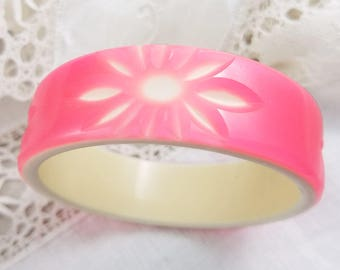 Fluorescent Hot Pink Carved Celluloid Bangle