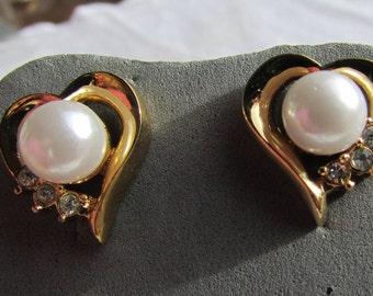 vintage 80's dainty hearts wedding bling faux pearl and rhinestone pierced earrings