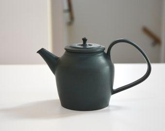 Kalonji deep green glazed teapot matte green