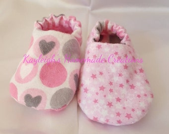 Flannel Reversible Baby Shoes Pink Stars Pink/Gray Hearts | Girl | Crib Shoes | Booties | Baby Slippers | Soft Sole | Ready to Ship
