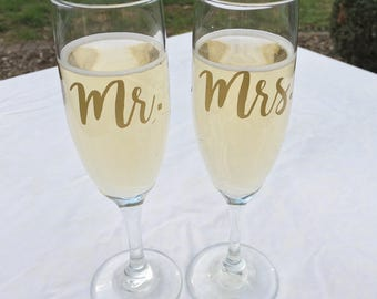 Set of 2 Mr. and Mrs. Champagne Toasting Flutes, Wedding Toasting Glasses, Gold, Silver, Black or White,  Shower Gift, Wedding Gift