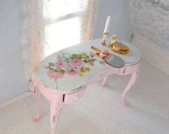 1/24 scale shabby chic miniature consolle