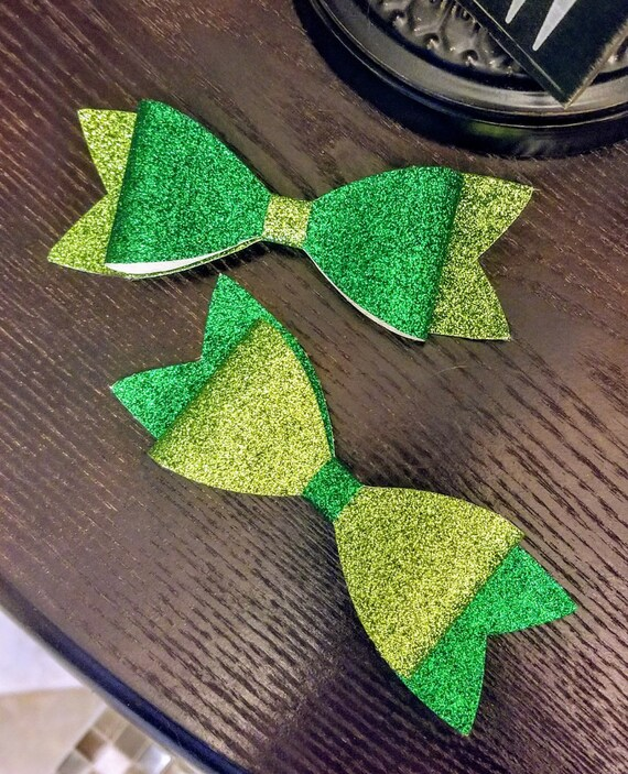 CUSTOM hair bows - Many colors, 2 bows