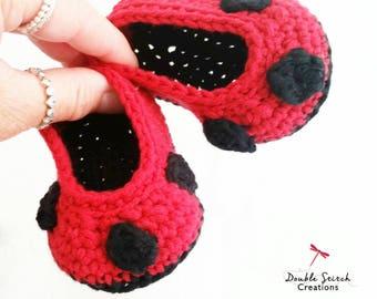 Ladybug Baby Booties - Crochet Lady Bird Slippers. Infant Slippers. Baby Shoes. Baby Shower Gifts. Baby Gift Ideas. Baby Photo Props