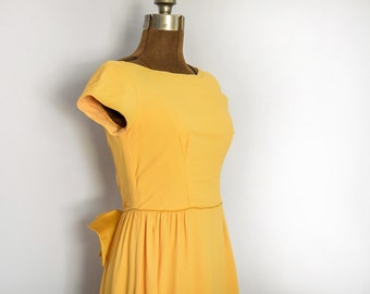 1960s Mustard Formal Maxi Dress with Boat Neck and Cap Sleeves Size Small - Medium