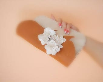 Clutch wedding, off-white leather cream (with accessories)