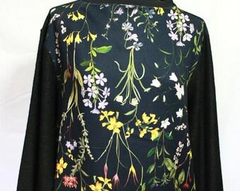 Light Sweatshirt black and flower prints