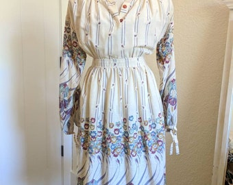 1970s Vintage Julie Miller Floral Hippy Casual Dress Size Small