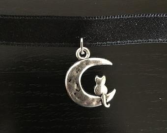 Cat on the Moon Choker
