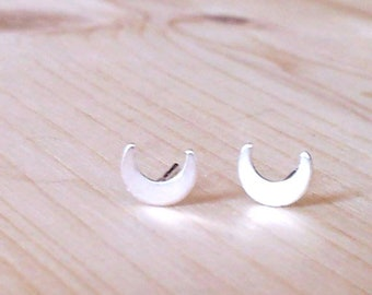 Moon Stud Earrings, Silver Moon Stud Earrings, Moon Earrings, Moon Studs, Sterling Silver Moon Stud Earrings, Mothers gift, Mom gift