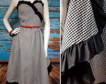 Beautifull 80s gingham ruffled dress.