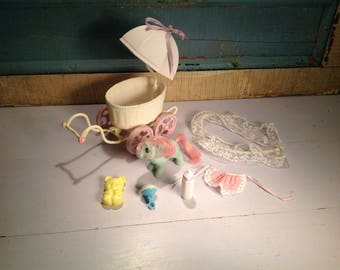 Vintage my little pony carriage and baby Cuddle