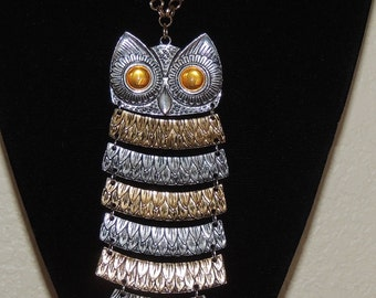 1970s Celebrity Articulated OWL Pendant and chain