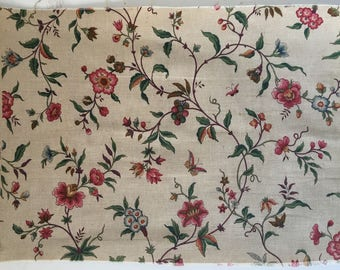 Beautiful 1930's French Linen Floral Printed Fabric (9269 )