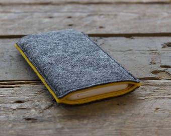 Samsung Galaxy Sleeve - Samsung Galaxy Cover - Samsung Galaxy Case in Mottled Dark Grey and Mustard Yellow 100% Wool Felt