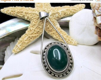 ON SALE Sterling Silver Vintage Chrysoprase Pendant 7.7 grams