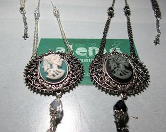 Skeletal Lady-long necklaces with skeletal checkers * Light & Darkness *