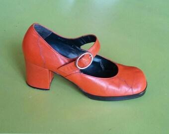 Vintage 70s Orange Mary Janes  Seventies leather platform shoes EU39(1/2), UK6, US 8
