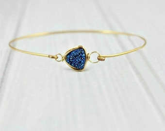 Druzy Gold Bracelet, Minimalist Delicate Bracelet, Dainty Thin Bracelet, Druzy Bracelet, Gold Filled Bangle, Royal Blue Jewelry, Sapphire