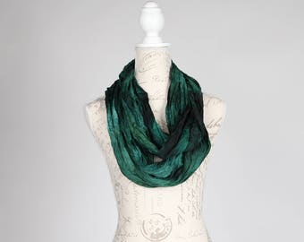 Green wrinkled infinity scarf / Trendy forest green scarf  / dark green infinity silk scarf / spruce circle scarf/ blue green circle scarf