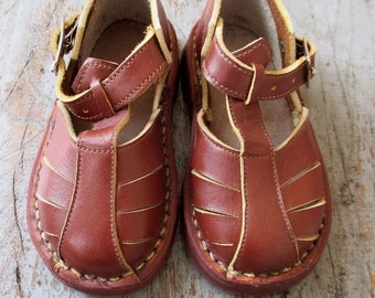 French vintage 1950's / kids / sandal shoes / brown leather / new old stock / size 21 EU / 5 US / 4,5 UK