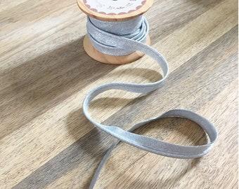 Silver lurex piping