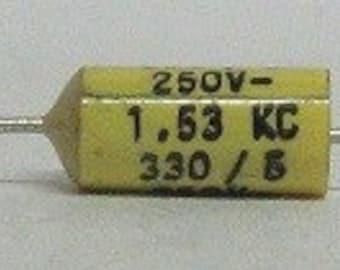 Capacitor 330pF 5% 250V, polyester