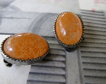 Vintage Silver Hatched Clip-On Earrings with Orange Marmalade