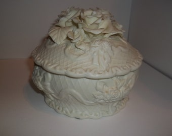 Cream Color Flower Dish with Lid