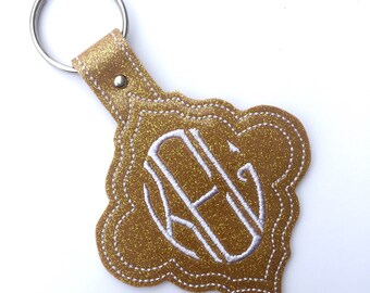 Monogram keychain - Custom keychain - womens gift Personalized Keychain  glitter vinyl quatrefoil keychain with embroidered oval monogram